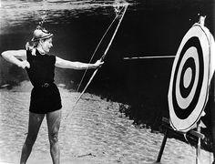 vintag, underwat archeri, breath underwat, 1940s, arrow, archeri photo, underwater photography, underwat photographi, bruce mozert