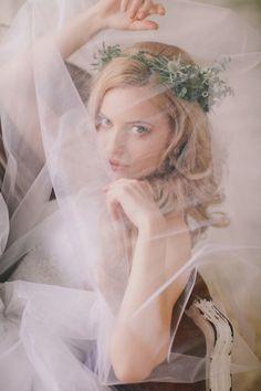 Rustic elegance | Irina Klimova Photography | see more on: http://burnettsboards.com/2014/09/beauty-flower-exquisite-bridal-editorial/