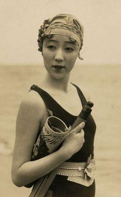 Ni Hongyan c. 1920's #20s #fashion #Sewcratic