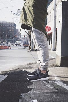 need a pair of grey tapered sweatpants. they look so good with that army green coat