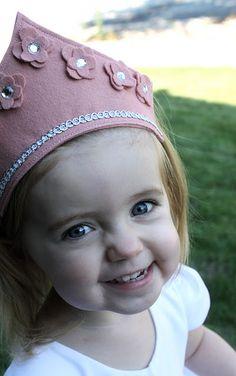 DIY Felt Princess Crown ||. #tutorial #craft #DIY #party #dress-up #kids #girls