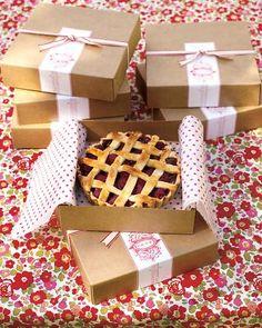 Cute pie takeaway boxes.  #presentation #cardboard #string #treat #bakery #cakebox #takeaway #brownpaper #tissuepaper #label #rustic #simple #cute #sophisticated #piebox #pie