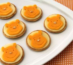 Pooh Bear Crackers and Cheese. A fun baby shower-time treat courtesy of the silly ole bear.