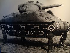 Los Aliados en la Segunda Guerra Mundial emplearon tanques inflables de goma para engañar al Ejército Alemán.