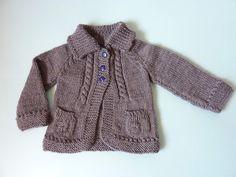 * Tejidos Miqueitas *: chaqueta con bolsillos y trenzas.
