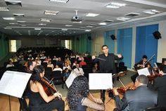A Orquestra de Cordas Aécio de Souza Salvador (OCAAS) se apresentou no Salão Nobre da FMB dia 22/11/2012.