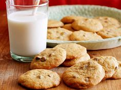 Pumpkin Chocolate Chip Cookies Recipe : Food Network - FoodNetwork.com