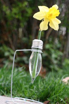 Lightbulb vase (tutorial)