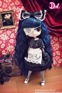 Creepy #Goth one eyed dolls from Scary Jane