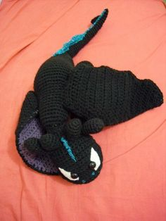 Amigurumi Night Fury. I have to learn how to do this.