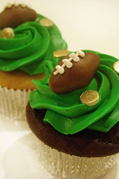 Football Cupcakes. Making these for superbowl party