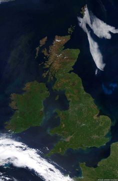 University of Dundee satellite image from 26 May at 13:05 - love the green and blue of the satellite image.