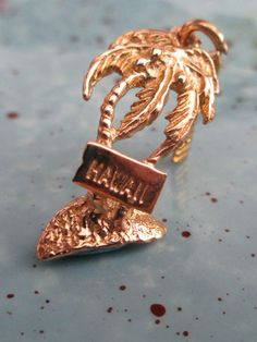 Vintage 14K Yellow Solid Gold 3D Palm Tree Hangtag Hawaii Charm Hallmarked 14K