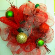 Deco mesh wreath red & green