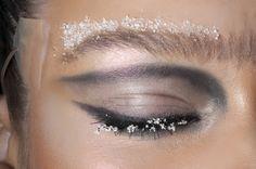 eye ideas..i like the swoop effect