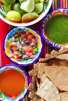 Salsa and other favorite #Mexican foods look even better in these colorful Mexican ceramics!