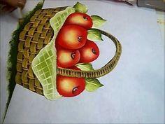 PINTURA EM TECIDO - Vídeo Aula Cesto com Maçãs -  How to paint basket.