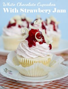 White Chocolate Strawberry Cupcakes - OMG Chocolate Desserts