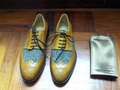 Experience the art of shoes . #patina #oxfords #shoes #derby #bespoke #custom #tweed #dressshoes #mensshoes #shoemakers #menswear #mens #style
