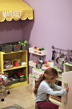 Ideas for the kids' play kitchen!