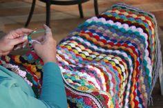 The Garden Bell's 'Circus Parade' blanket tutorial