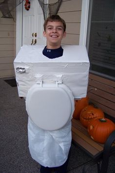 Ha! A DIY toilet costume any boy would love to be for Halloween!