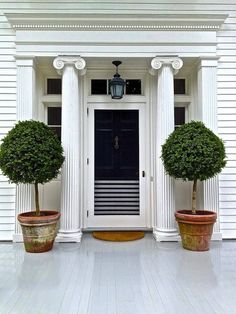 beautiful entrance (Aerin Lauder's home in the Hamptons)