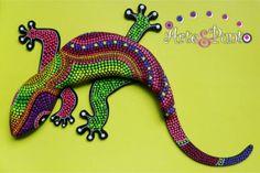 lagartija en mdf pintada a mano  mdf,vinilos,laca y varathane puntillismo,mixta
