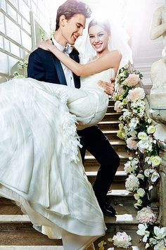 Gorgeous pose for the newlyweds!