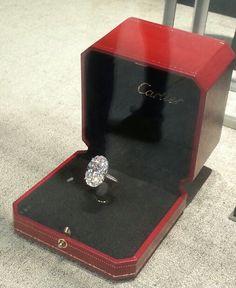 Cartier engagement ring #widowshopping www.marrymecharlie.com
