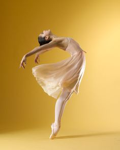 Beatriz Stix-Brunell with The Royal Ballet