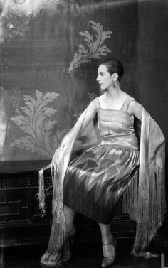 1927    Model Mrs. Morrison posing in fashionable daytime clothing of the 1920's.