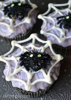 This blogger added some Halloween fun to her favorite cupcake recipe with Martha Stewart Crafts Treat Wrappers and Stickers! #marthastewartcrafts #12monthsofmartha