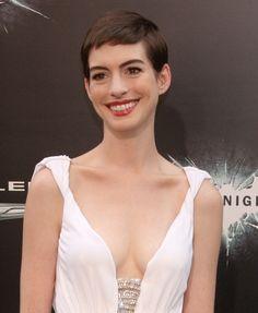 Anne Hathaways pixie cut