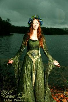 wedding dressses, green dress, fairi, fantasy dress faerie, pagan wedding dresses, medieval dress