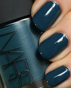 fall manicure ideas - Dark Teal Fall Manicure