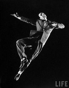 Gene Kelly in Cover Girl, 1944. An amazing dancer