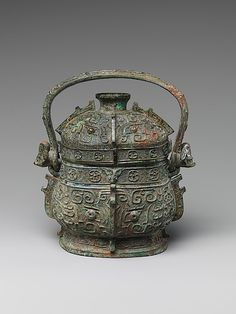 Ritual Wine Container with Cover (You)   Western Zhou dynasty (1046–771 BCE)   10th–9th century BCE