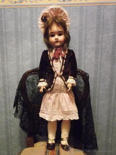 muñeca antigua de porcelana MAX HANDWERCK antique bisque doll