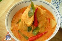 Red Curry Chicken with Bamboo Shoot - Red Curry Chicken with Bamboo Shoot