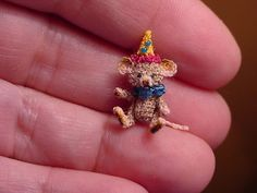 AWESOME TINY THREAD CROCHET MOUSE!
