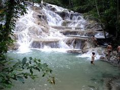Dunn River Falls in Jamaica, an amazing place when there are not so many tourists