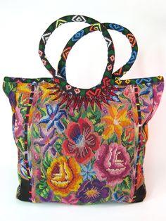 Floral Needlepoint Shopping Tote  Colección Luna