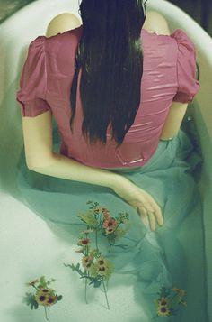 #underwater #dream #fairytale #flowers #magic  #girl #bathtub #beautiful #water