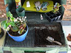 recycl, pot station, pot bench, outdoor, potting benches, gas grill, garden idea, grills, repurpos grill