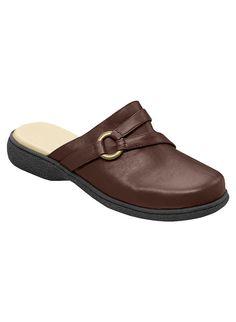 Angel Steps™ Madelyn at www.amerimark.com  Great clog!  #amerimark #shoeshopping #loveshoes #shopforshoes #shoeshop #luvshoes #fallshoes #autumnshoes #womensclogs #ladiesclogs