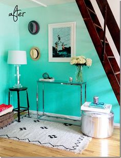 Turquoise ombre wall paint is a very unique way to add a little twist to boring wall colours.
