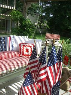 Catch an Independence Day snooze here... (July 4th, porch swing)