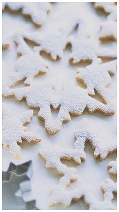 sugar cooki, dust, snowflak cooki, winter holidays, white christmas, christmas snowflakes, cookies, snowflak sugar, biscuits