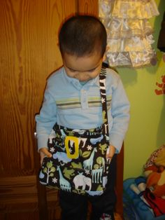 To Sew With Love: 30-minute Little Boy's Messenger Bag Tutorial